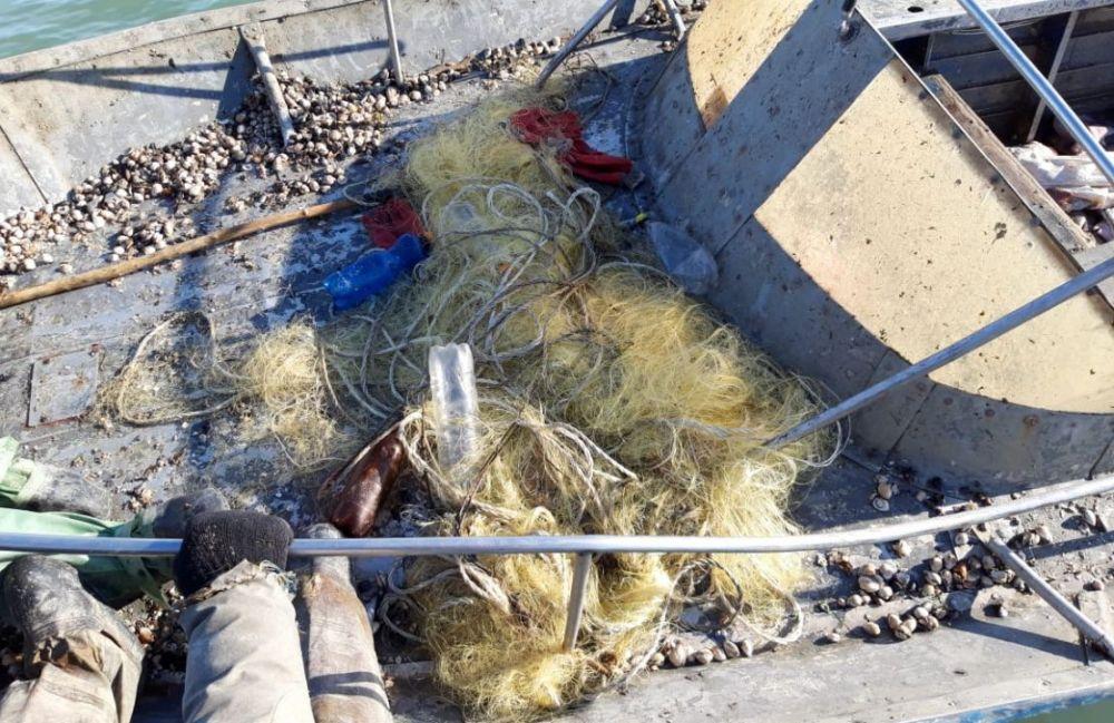 Команда браконьерского судна задержана на 48 часов за незаконный вылов рыбы
