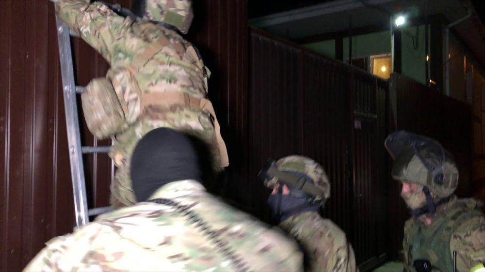 Появилось видео штурма нарколаборатории в Крыму