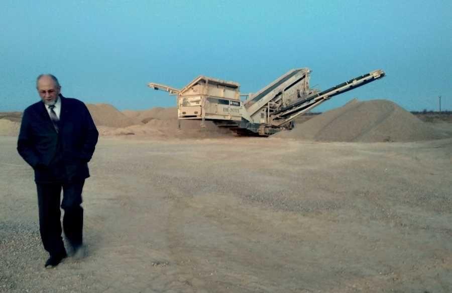 С разрушителя побережья Севастополя предлагают взять 44 миллиона «бартером»