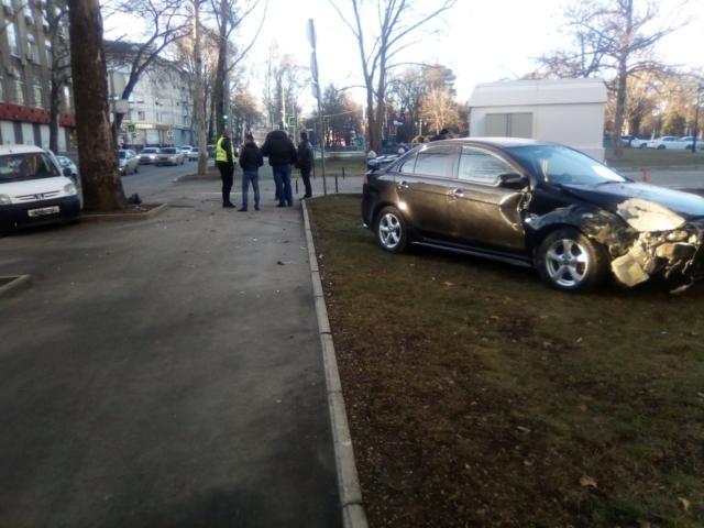 Под Совмином в Симферополе произошло ДТП