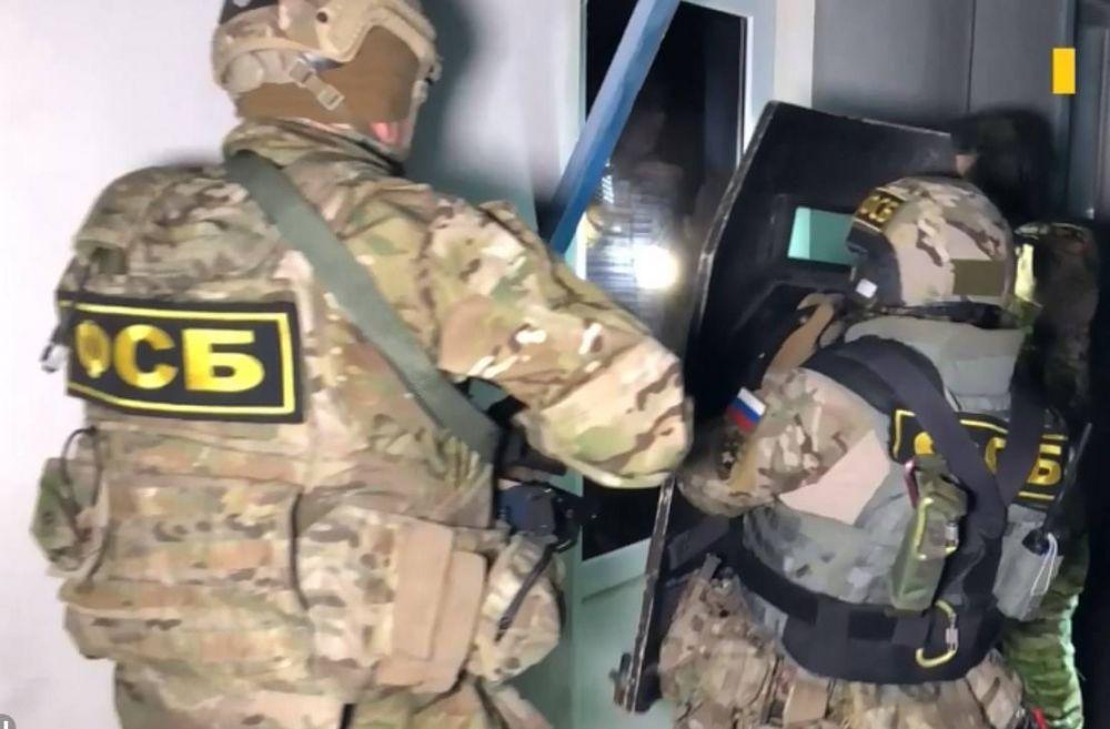 ФСБ задержала в Крыму украинского боевика нацбатальона.