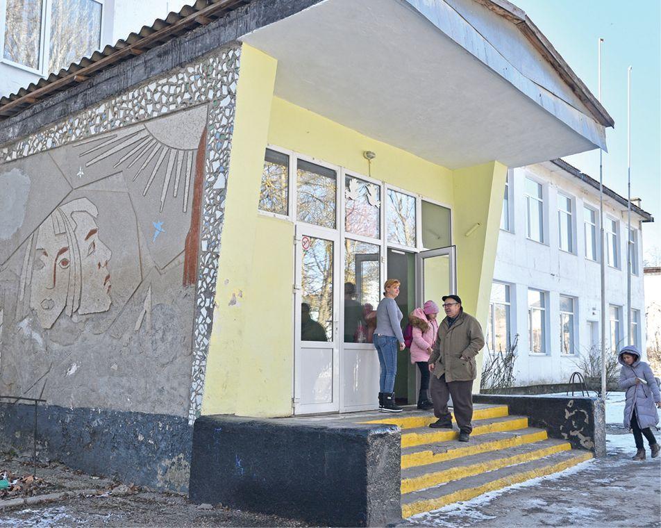 Что радует и на что жалуются жители Русаковки Белогорского района