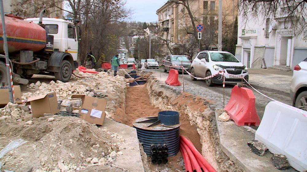 За год в Севастополе отремонтируют почти 100 автомобильных дорог