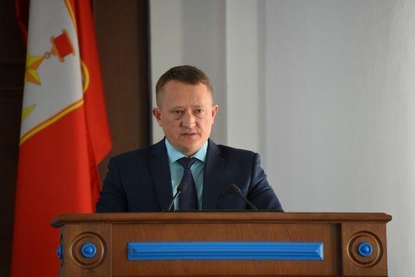 Депутаты просят проверить деятельность экс-юриста Правительства Севастополя