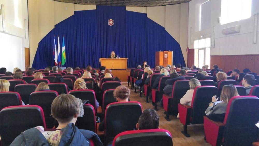 Общественный совет при Комитете госзаказа Крыма принял активное участие в организации и проведении выездного обучающего семинара