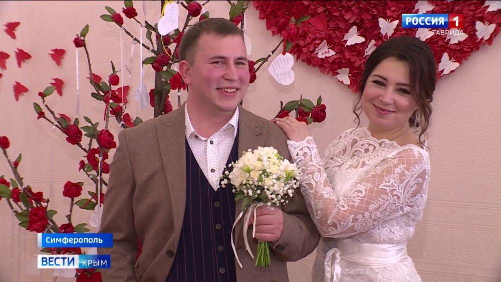 В Крыму ажиотаж среди брачующихся: с чем это связано?