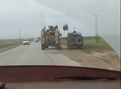 Появилось видео инцидента с бронемашинами России и США в Сирии