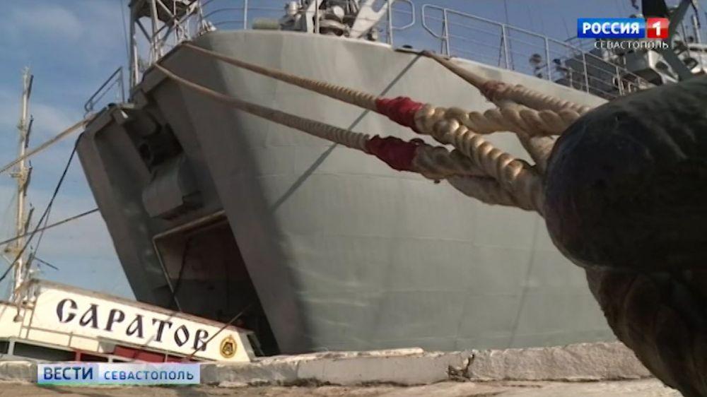 Экипаж корабля «Саратов» поддержал присвоение городу Саратову почетного звания