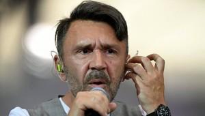 Сидит, не пьет уже с утра: Шнуров рассказал, зачем пошел в политику