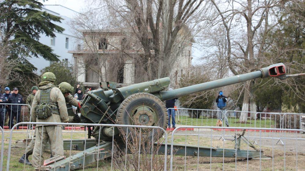День защитника Отечества Керчь отметила «Выстрелом памяти».