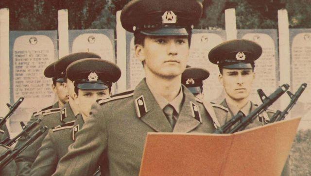 Аксенов поздравил крымчан с 23 февраля и вспомнил армейскую молодость
