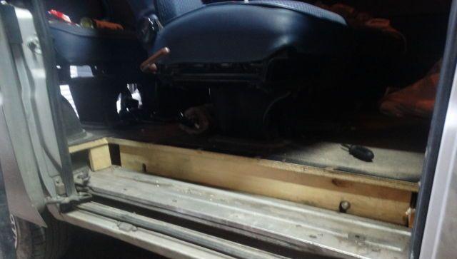 Тайник на колесах: украинец пытался ввезти в Крым почти 1000 товаров