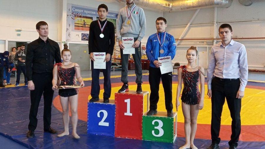 Алуштинец Марат Дарбинян – победитель первенства ЮФО по греко-римской борьбе среди юниоров до 24 лет!