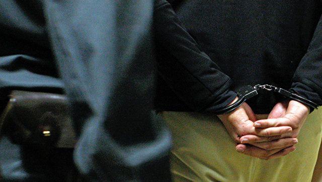 """В Саках задержали """"закладчика"""" с десятками свертков с наркотиками"""