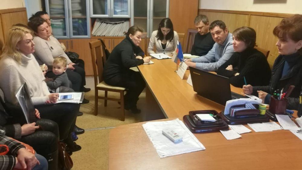 Депутаты горсовета приняли участие в тематических приёмах граждан