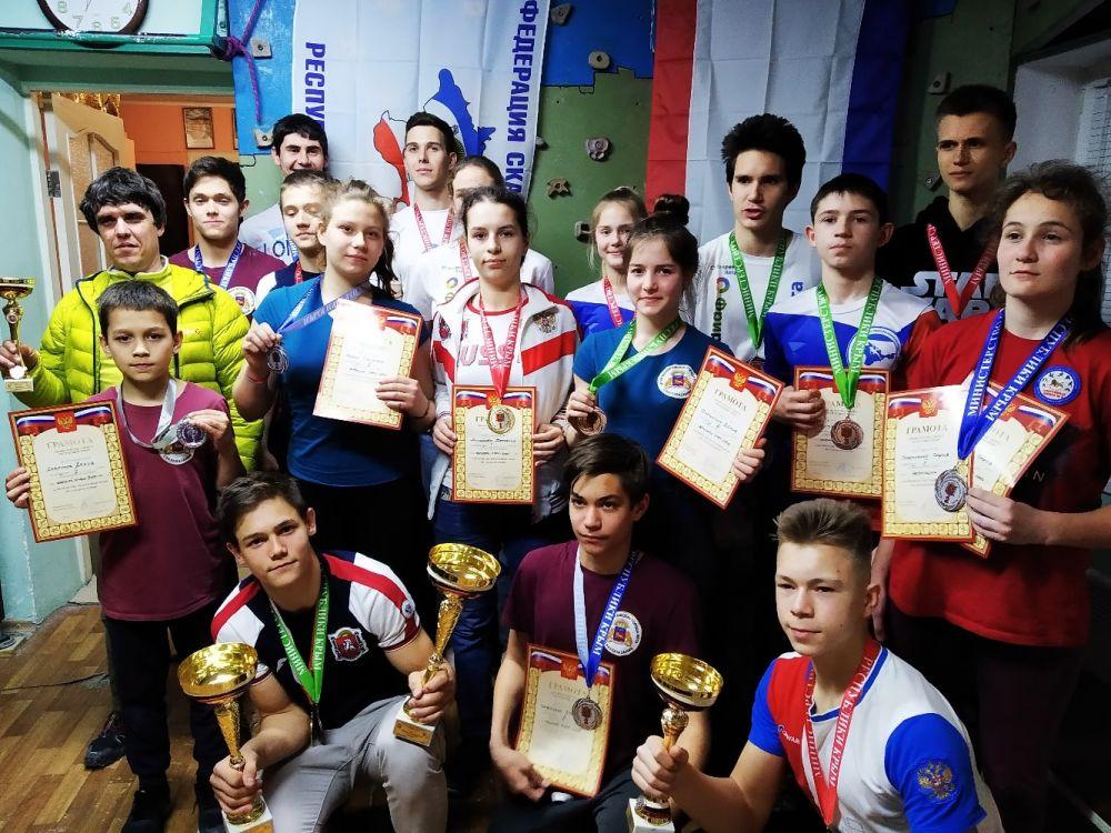 В Ялте прошли чемпионат и Первенство Республики Крым по скалолазанию