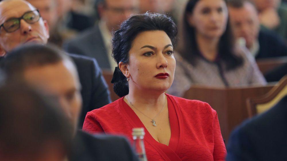 Минкульт Крыма информирует о переводе работников на дистанционный режим профессиональной служебной деятельности, приостановлении личного приема граждан