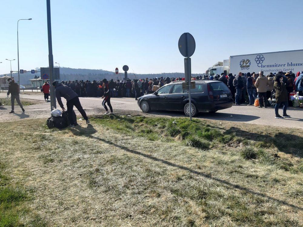 """""""Очередь коронавируса"""" - украинцы пытаются вернуться на родину"""