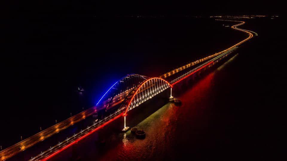 Крымский мост присоединится к всемирной акции «Час земли»