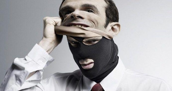 Осторожно, мошенники! Полиция Симферополя напоминает алгоритм действий на случай «встречи» с аферистами
