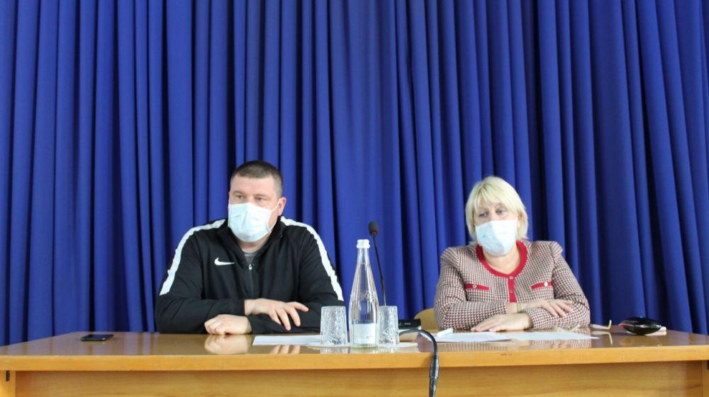 Руководители Белогорского района провели заседание оперативного штаба по вопросам предупреждения распространения коронавируса