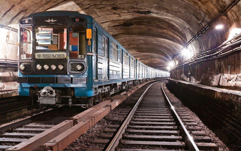 Коронавирус внес корректировку в работу метро Санкт-Петербурга