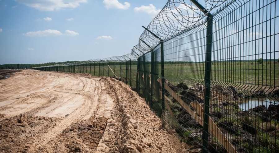 Украина намерена построить стену в Донбассе