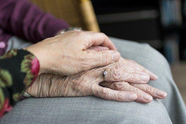 Крымчанам позволят покидать дома, чтобы помочь своим пожилым родственникам