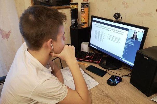 С 6 апреля занятия в школах Крыма начнутся дистанционно
