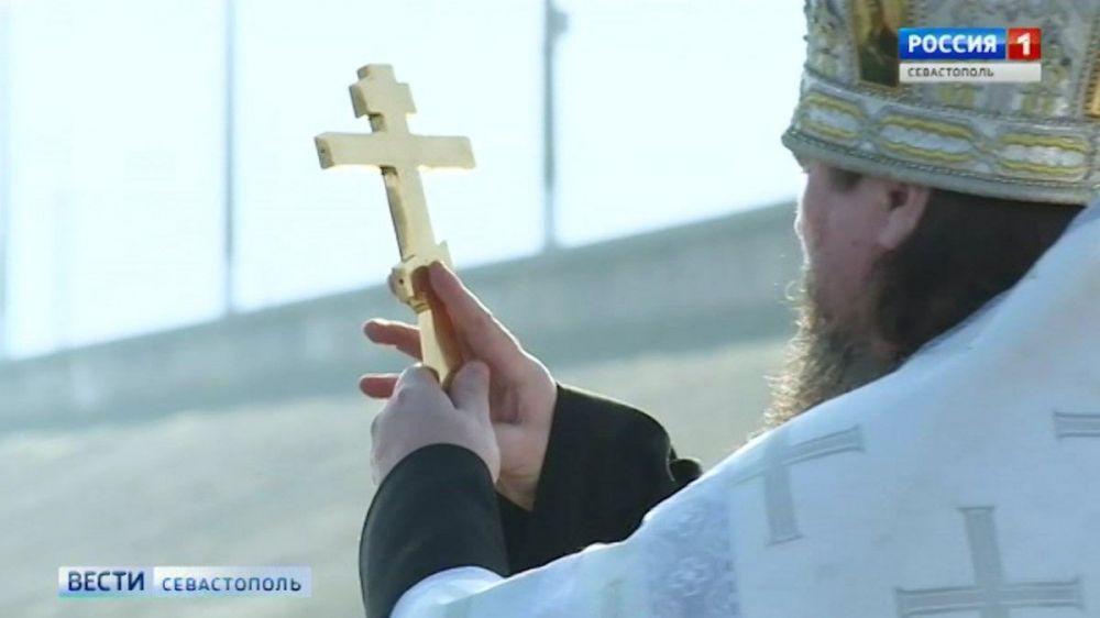 В Севастополе исповедаться и причаститься теперь можно на дому
