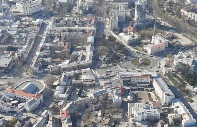 Над Крымом провели воздушный крестный ход от «смертельной заразы»