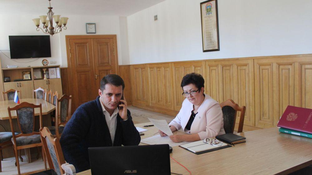 Галина Шабанова провела видеоконференцию с главами сельских поселений