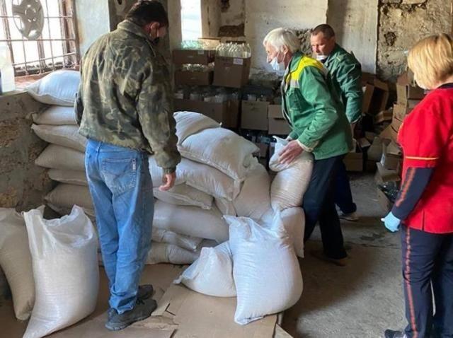 Крымские аграрии передали нуждающимся 654 продуктовых набора