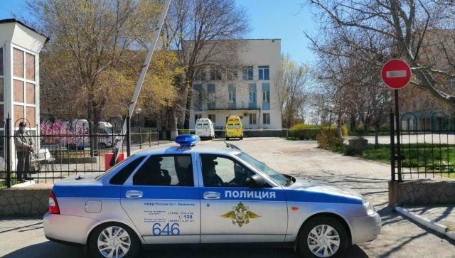 Более 100 человек взаперти: что происходит в больнице Армянска