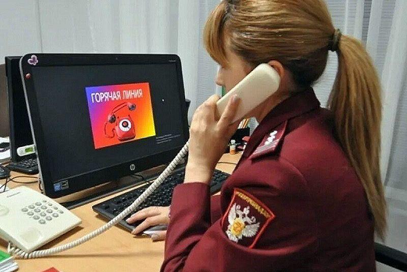 Роспотребнадзор разыскивает водителя такси, который вез 2 апреля пассажиров из аэропорта Симферополя