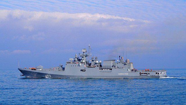 Экипажи двух военных кораблей проведут карантин в море у Севастополя