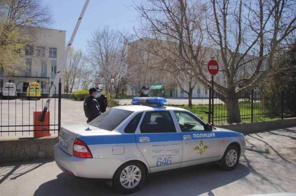 Больницу в Армянске дезинфицировали до утра, — Чемоданов