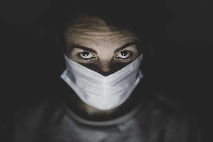 Медиков Севастополя премируют за работу в COVID-режиме
