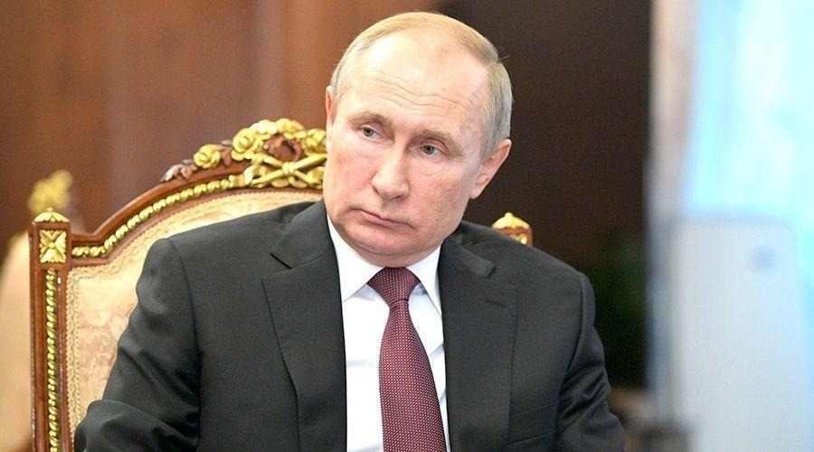 Путин поручил полиции и Росгвардии обеспечить безопасность борющихся с вирусом учреждений