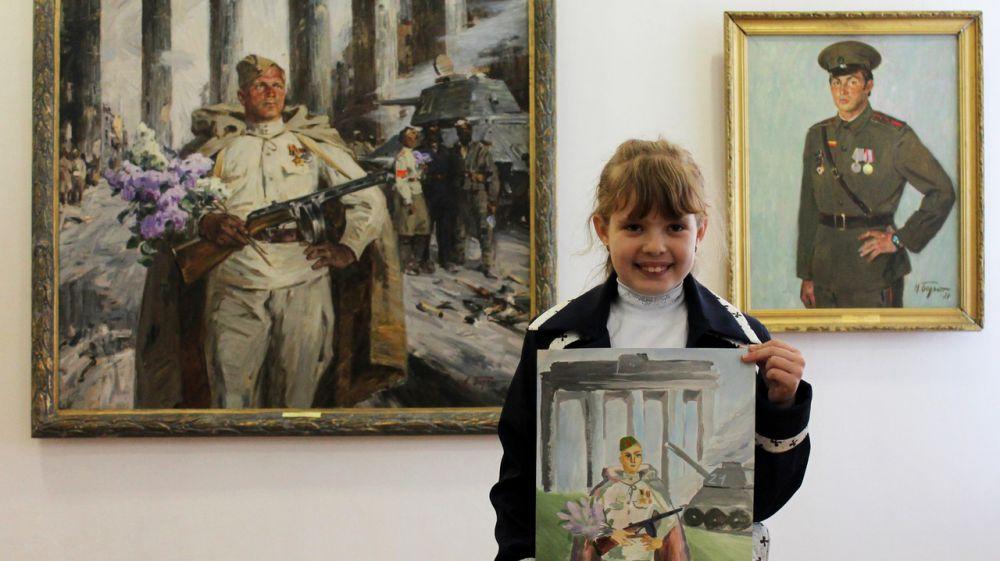 В онлайн-формат перенесена выставка детского рисунка «Мы помним! Мы гордимся!»