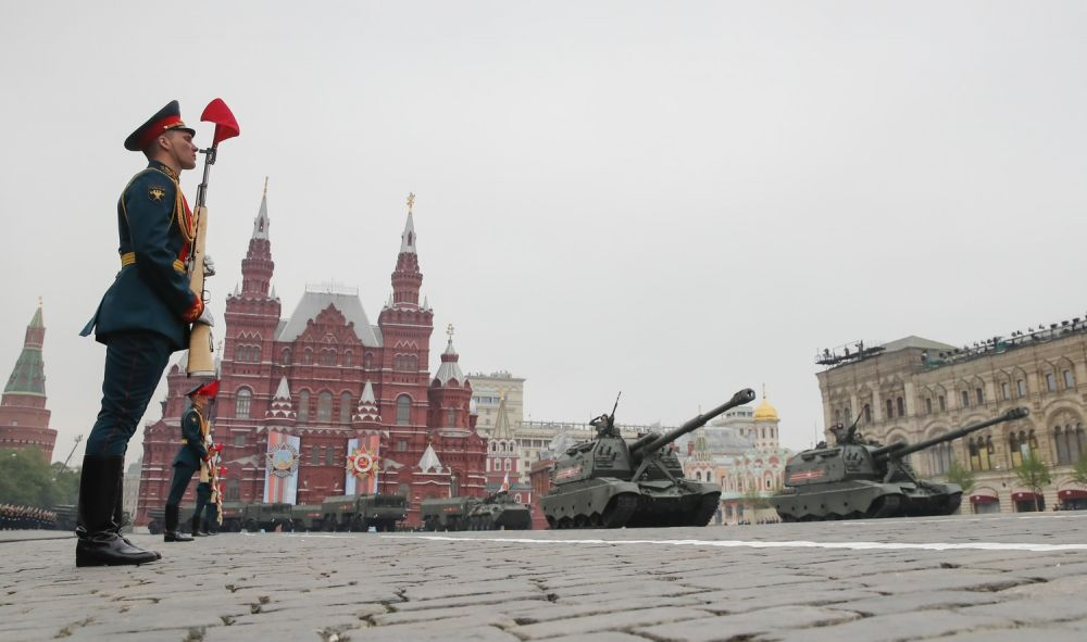 Путин перенес парад Победы из-за коронавируса