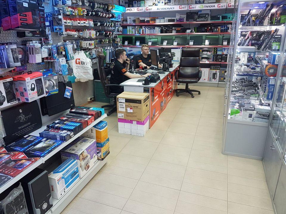 В Алуште девушка похитила из магазина систему виртуальной реальности