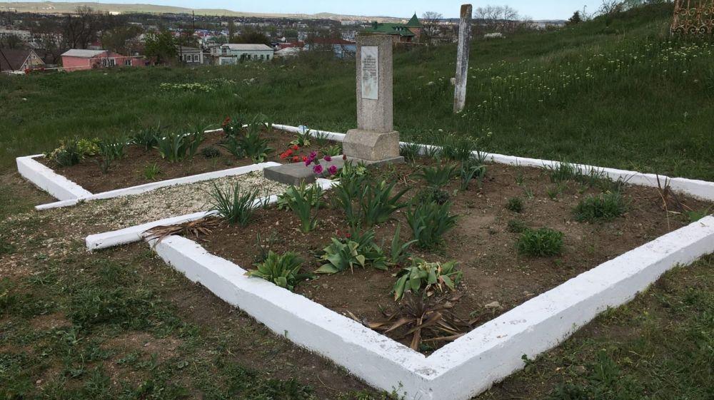 Памятники Керчи продолжают приводить в порядок