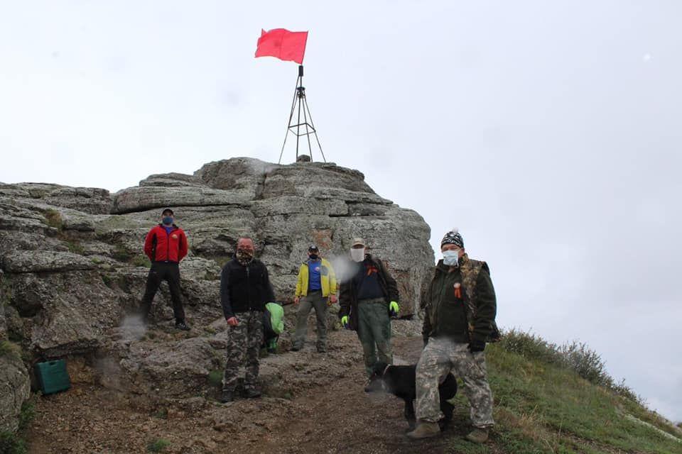 Знамя Победы водрузили на вершине горы Демерджи