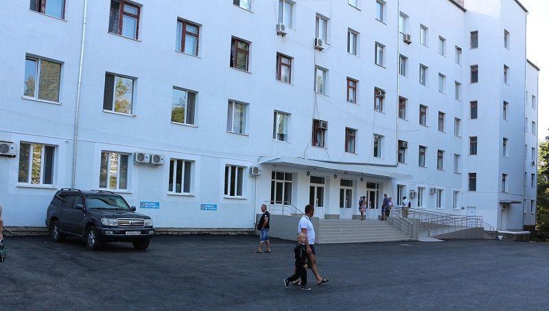 Из-за новых заражений коронавирусом в Крыму закроют на обсервацию еще одну больницу