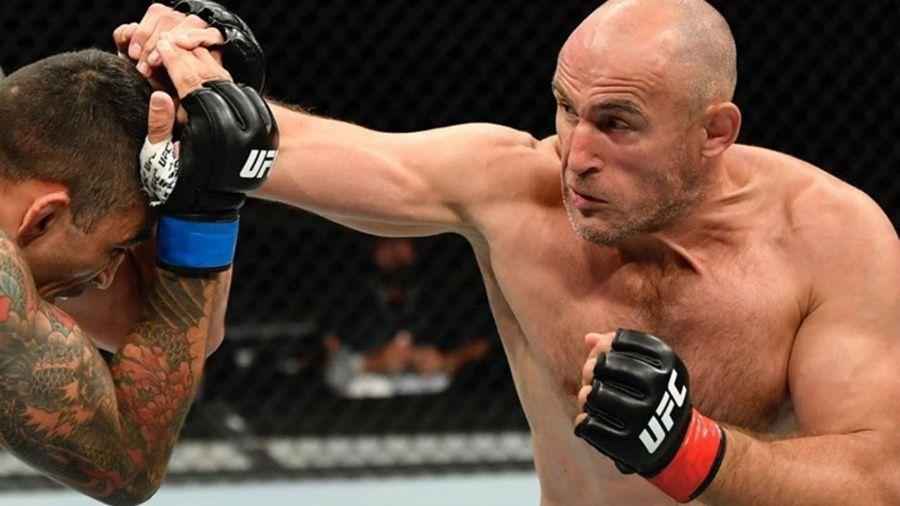 Российский боец MMA Алексей Олейник победил бразильца Вердума на турнире в США