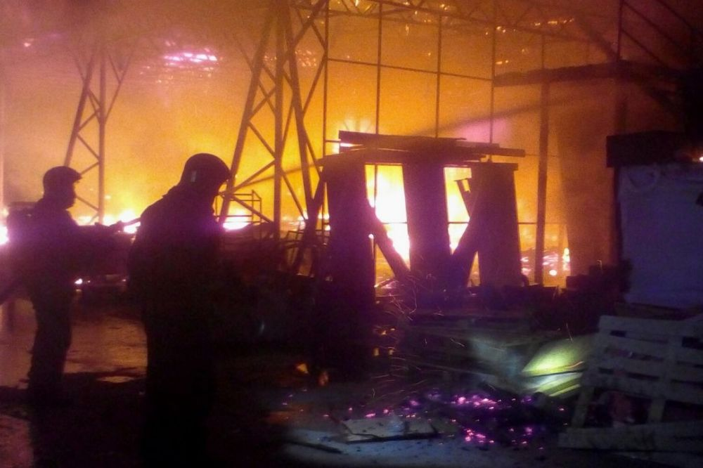 В Севастополе ночью потушили пожар повышенного ранга