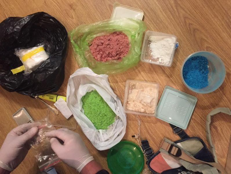 В Крыму будут судить членов ОПГ, занимавшихся сбытом наркотиков в особо крупном размере