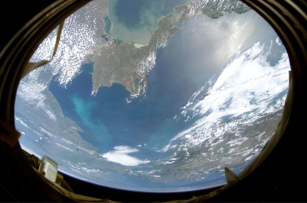 Украина следит за Крымом из космоса