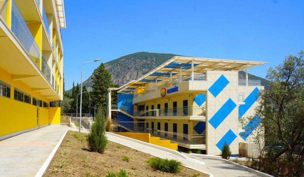 В первую летнюю смену «Артек» примет 1200 крымских детей